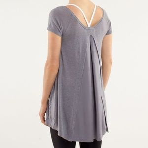 Lululemon Be Me Tee Gray Heathered Fossil Knit Top